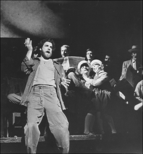 Mandy in Evita...the beginnings of the crouch?